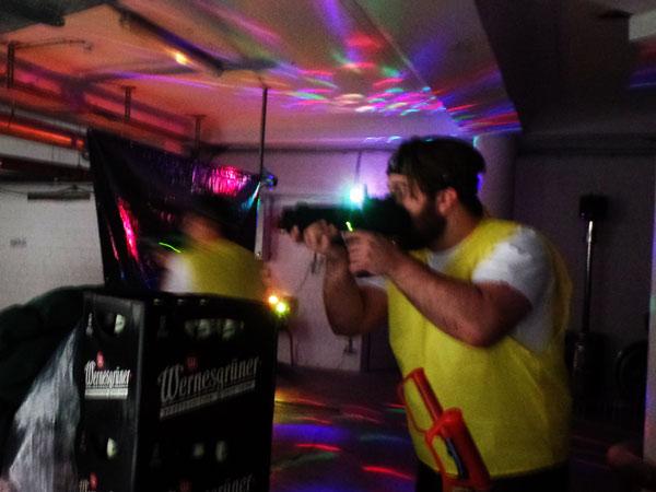 firmenfeier mit lasertag